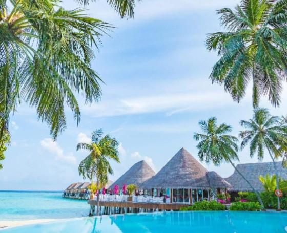 Sun Siyam Resorts Maldives beach and cottages